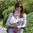 Alyson Hannigan et sa plus jeune fille Keeva à Brentwood, Los Angeles, le 10 juin 2013.