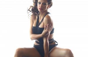 Melissa Riso : Une brune irrésistible en pleine séance photo