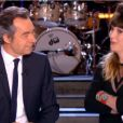 Daphné Bürki remercie Michel Denisot lors de sa dernière dans Le Grand Journal de Canal + le jeudi 30 mai 2013
