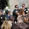 Le mariage religieux de Thomas Langmann et Céline Bosquet à Porto-Vecchio en Corse le 22 juin 2013 : Les mariés sont applaudis par Michel Hazanavicius, Bérénice Bejo et bien d'autres