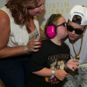 Justin Bieber : Dans les bras d'une jeune fan handicapée, il redore son blason !