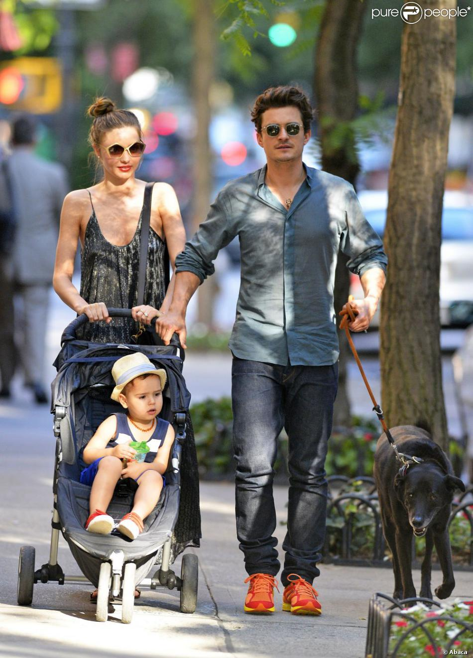 Miranda Kerr et Orlando Bloom amoureux : Balade ... Orlando Bloom And Miranda Kerr Baby Flynn 2013