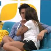 Secret Story 7 - Anaïs et Julien ne se cachent plus : Le bisou devant Guillaume