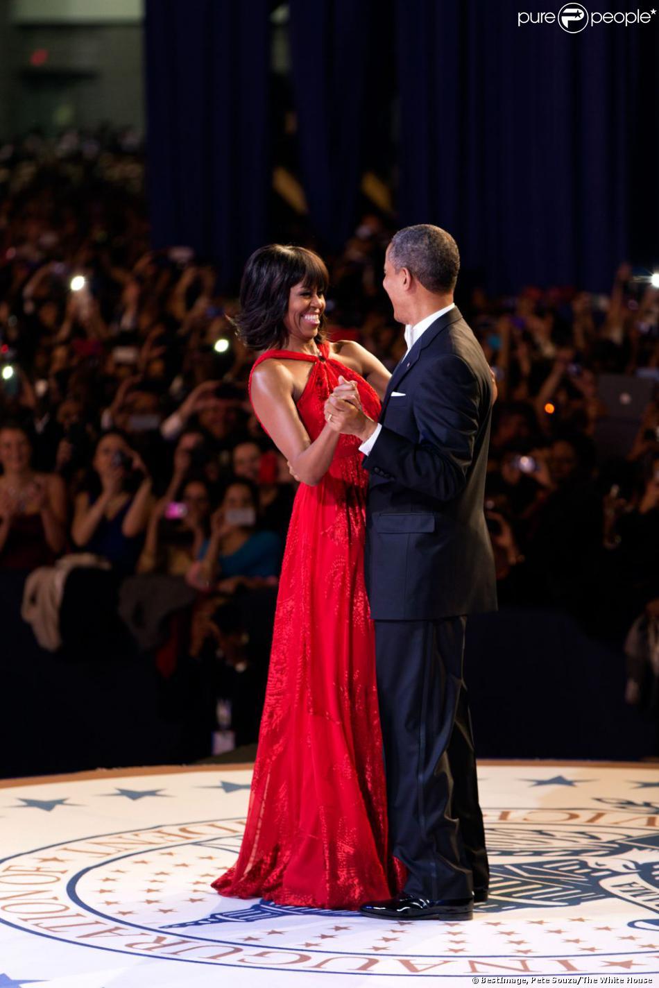 Barack Obama et Michelle Obama, lors du bal pour la soirée Walter E. Washington Convention Center à Washington, le 21 janvier 2013.