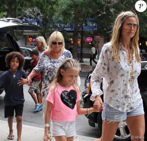 Heidi Klum et Martin Kirsten arrivent avec les enfants de la belle : Leni, Lou, Johan et Henry au Greenwich Hotel de Tribeca, à New York, le 9 juillet 2013.