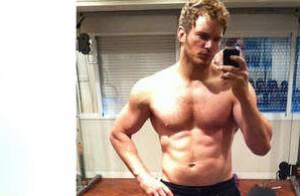 Chris Pratt, métamorphosé : Exit les bourrelets, il dégaine ses abdos sculptés