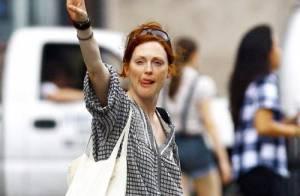 PHOTOS : Julianne Moore, avec ce look, pas sûr que tu trouves un taxi !