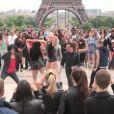 Flashmob pour Danse avec les stars 4 : Marie-Claude Pietragalla, Chris Marques et Jean-Marc Généreux sur la place du Trocadéro le 25 juin 2013