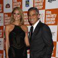 George Clooney et Stacy Keibler lors de la projection de The Descendants à New York le 16 octobre 2011