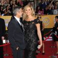 George Clooney et Stacy Keibler sur le tapis rouge des Screen Actors Guild Awards à Los Angeles le 29 janvier 2012