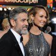 George Clooney, barbu, et Stacy Keibler lors de la cérémonie des Oscars le 24 février 2013 à Los Angeles
