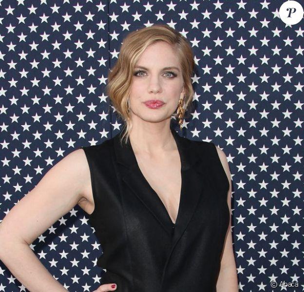 Anna Chlumsky arrive à la présentation de la saison 2 de Veep à Hollywood, le 9 avril 2013.