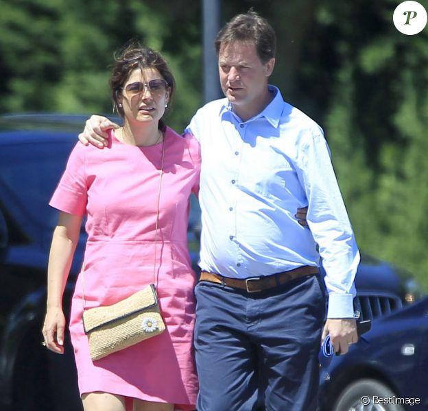 Exclusif - Nick Clegg (Vice-Premier ministre du Royaume-Uni) en vacances avec son épouse Miriam et ses enfants Antonio, Miguel et Alberto à Olmedo en Espagne le 25 juillet 2013.