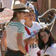 Elena d'Espagne prête à voir son fils Felipe prendre le large. La reine Sofia d'Espagne accompagnait ses petits-enfants Felipe et Victoria, avec leur mère l'infante Elena, et Juan Valentin, Pablo, Miguel et Irene, avec leur mère l'infante Cristina, à l'école de voile à Palma de Majorque le 29 juillet 2013.