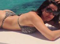 Kelly Brook : Sexy en vacances, elle sort son bikini et ignore les moqueries