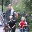Gwen Stefani, Gavin Rossdale et leurs deux garçons Kingston et Zuma à Londres, le 29 juillet 2013.