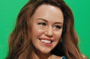 PHOTOS : Miley Cyrus est une bien jolie poupée !