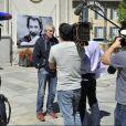 """Claude Lelouch en action sur le dernier jour de tournage du film """"Salaud, on t'aime"""" à Saint-Gervais-les-Bains, le 31 juillet 2013."""