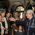 """Irène Jacob, Pauline Lefèvre, Antoine Duléry et Claude Lelouch pendant le dernier jour de tournage du film """"Salaud, on t'aime"""" à Saint-Gervais-les-Bains, le 31 juillet 2013."""