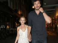 Kylie Minogue : Pétillante, belle et amoureuse, main dans la main avec son chéri