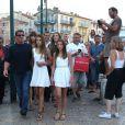 Sylvester Stallone en balade au côté de sa femme Jennifer Flavin et ses filles Sophia, Sistine et Scarlet en vacances à Saint-Tropez le 3 août 2013.
