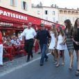 Sylvester Stallone au côté de sa femme Jennifer Flavin et ses filles Sophia, Sistine et Scarlet en vacances à Saint-Tropez le 3 août 2013.