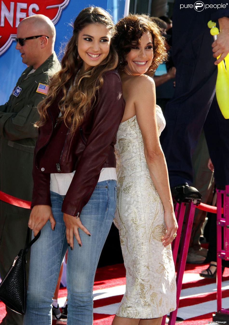 Teri Hatcher venue avec sa ravissante fille Emerson à l'avant-première mondiale de Planes, à Los Angeles, le 5 août 2013