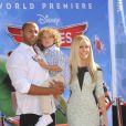 Kendra Wilkinson, Hank Baskett et Hank askett IV à l'avant-première mondiale de Planes, à Los Angeles, le 5 août 2013