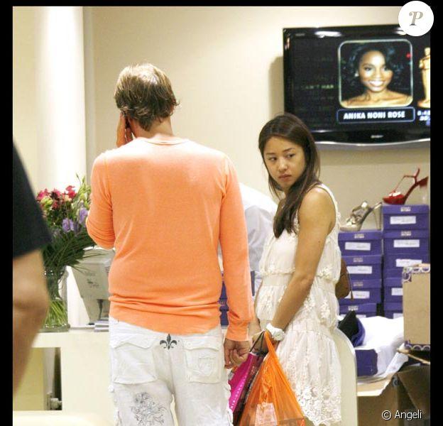 Marjolaine  enceinte et son fiancé Marco