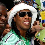 Ronaldinho change ses dents : Fini, son sourire légendaire ?