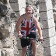 Rocco, fils de Madonna, profite à fond de ses vacances à Villefranche-sur-mer, comme ici lors d'une sortie à vélo avec ses amis le 16 août 2013, jour du 55e anniversaire de sa mère.