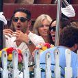 Jesse Metcalfe et sa fiancée Cara Santana déjeunent au restaurant Ivy à Los Angeles avec les parents de Cara, le 20 août 2013.