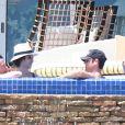 Jennifer Aniston et son fiance Justin Theroux en vacances avec leurs amis Jason Bateman et sa femme Amanda Anka a Mexico, le 21 aout 2013