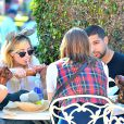 Exclusif - Demi Lovato et son compagnon supposé Wilmer Valderrama,  au parc d'attractions Disney California Adventure, à Anaheim, le 25 août 2013.