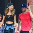 Adam Levine et sa fiancée Behati Prinsloo, aperçus dans le quartier de SoHo à New York. Le 2 septembre 2013.