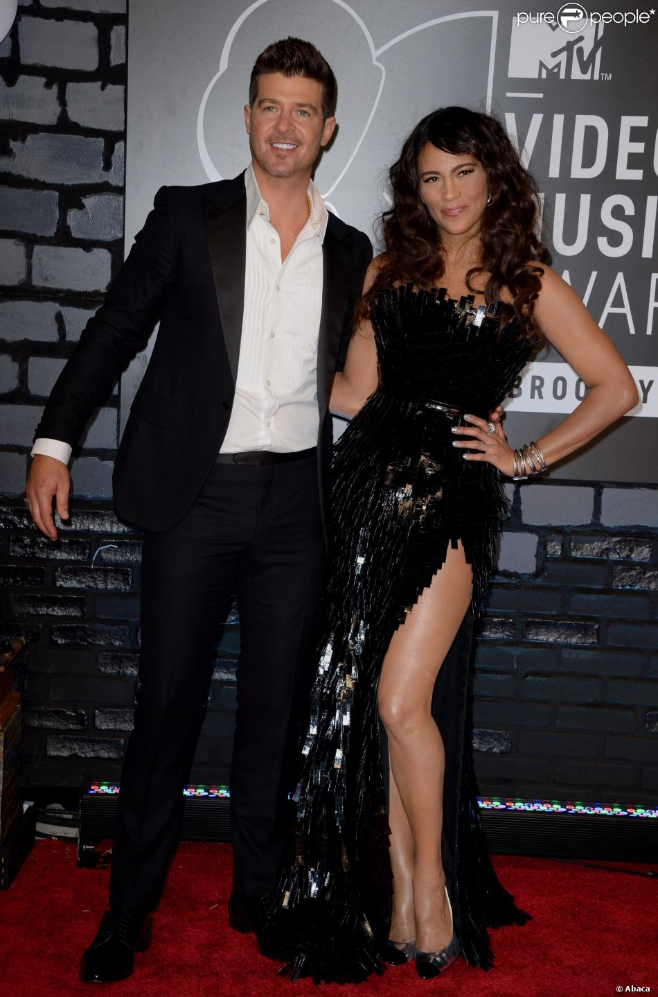 Robin Thicke et Paula Patton sur le red carpet des MTV Video Music Awards au Barclays Center, le 25 août 2013.