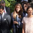 La princesse Victoria de Suède arrive avec la princesse Madeleine, enceinte, le prince Daniel et le prince Carl Philip pour l'hommage rendu le 8 septembre 2013 à feue la princesse Lilian, décédée le 10 mars, en l'église anglicane St Peter et St Sigfrid de Stockholm.