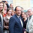 Le président de la République François Hollande et sa compagne Valérie Trierweiler ont accueilli au palais de l'Elysée leurs concitoyens pour la journée du patrimoine du 14 septembre 2013