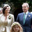 L'ex-premier ministre britannique Tony Blair et Cherie Blair lors du mariage de leur fils Euan Blair à Wooten Underwood, le 14 septembre 2013.