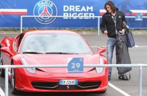 Edinson Cavani : Accro à sa Ferrari, la star du PSG couve son bolide