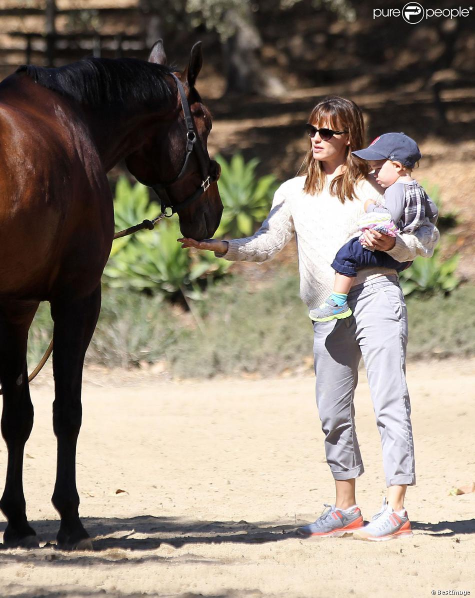 Jennifer Garner et son fils Samuel à Pacific Palisades, le 16 septembre 2013.