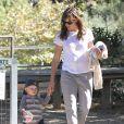 Jennifer Garner et son fils Samuel en balade à Pacific Palisades, le 16 septembre 2013.