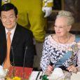 La reine Margrethe II de Danemark et son hôte Truong Tan Sang au palais de Fredensborg le 18 septembre 2013 pour le dîner de gala en l'honneur du président du Vietnam et son épouse Mai Thi Hanh, en visite d'Etat de trois jours.