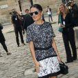 La comédienne mexicaine Salma Hayek arrive au défilé Balenciaga le 26 septembre 2013 à Paris.