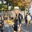 Anna Dello Russo arrive au défilé Balenciaga le 26 septembre 2013 à Paris.