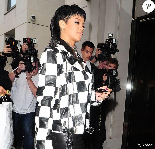 Rihanna adopte le perfecto, it-veste de la saison