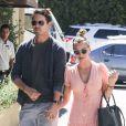 Kaley Cuoco et son fiancé Ryan Sweeting au Marmalade Cafe de Sherman Oaks à Los Angeles, le 27 septembre 2013