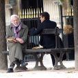 """Exclusif - Donald Sutherland rejoint Marc Lavoine sur le tournage de la nouvelle série """"Crossing Lines"""" à Paris. Le 30 octobre 2012."""