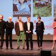 Les membres du jury lors de la cérémonie de clôture du 22e Festival du film d'Amérique latine de Biarritz le 5 octobre 2013