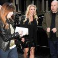 Britney Spears arrive dans les studios de la Radio Capital FM à Londres, le 14 octobre 2013.